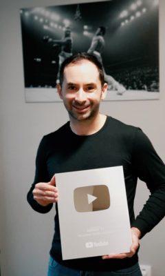 Greggot-Youtube-Trophy-100K-20181130_161603-300px